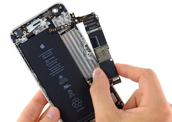 iPhone screen is Black